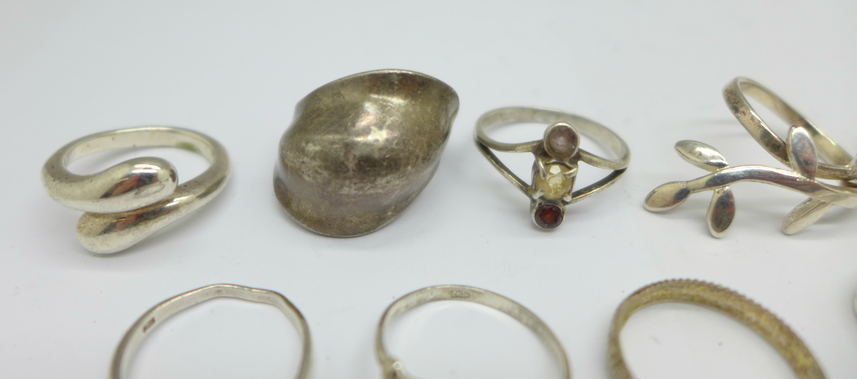 Ten silver rings, 28g - Image 4 of 5