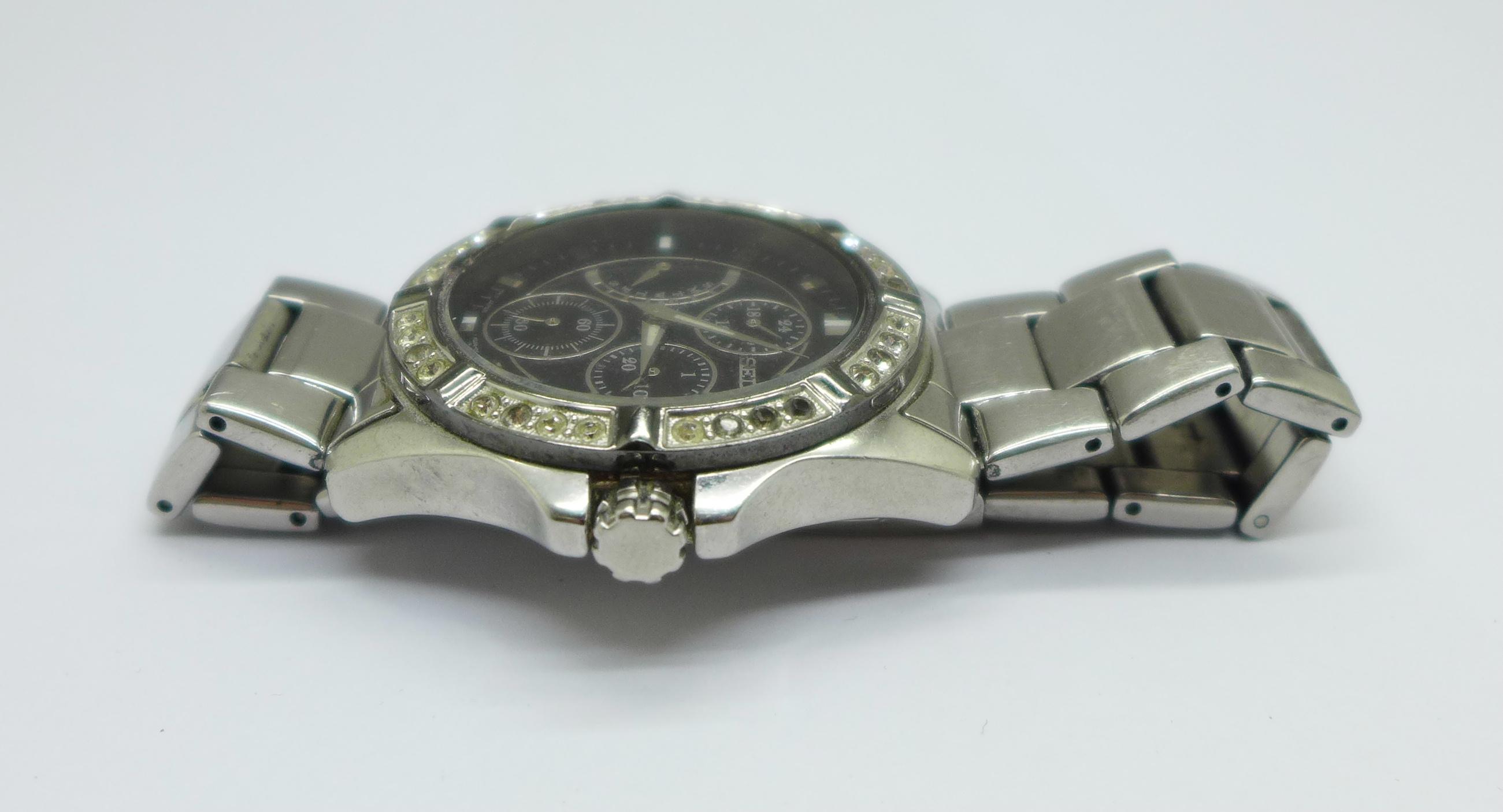 A Seiko multi dial wristwatch - Image 2 of 6