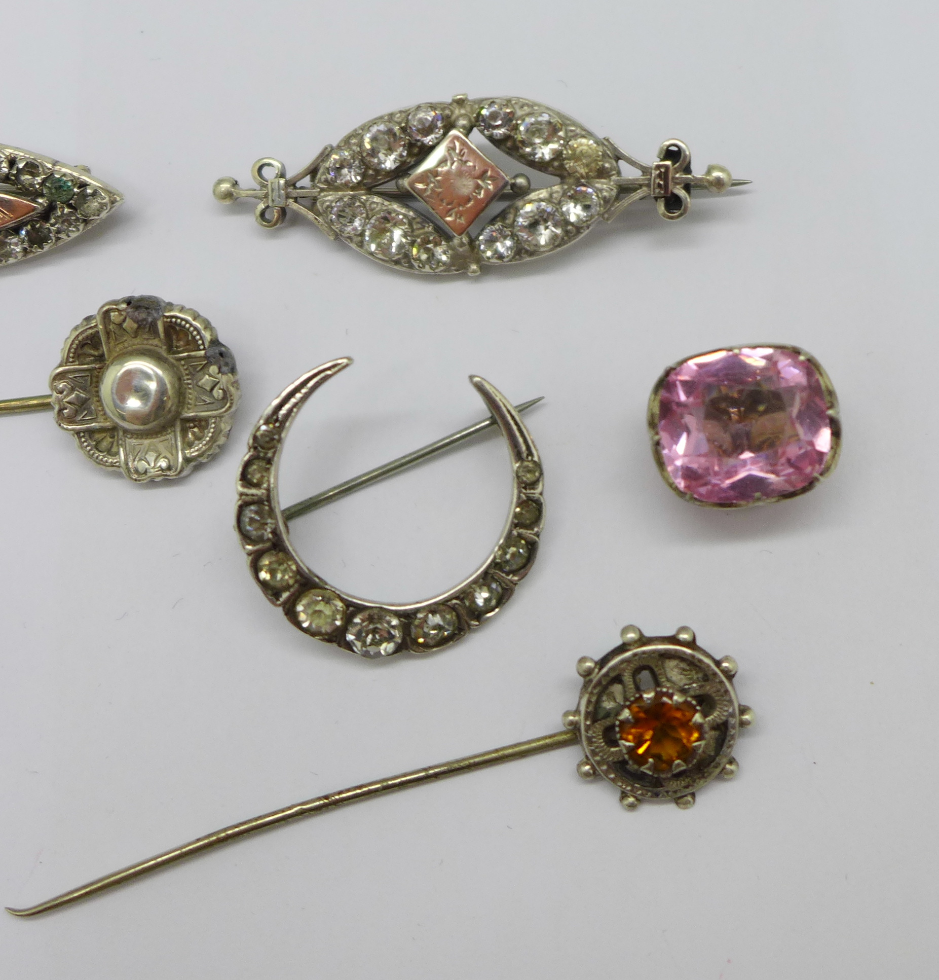 Two hallmarked Victorian silver and gilt fronted brooches, four other brooches, two stick pins and a - Image 3 of 4