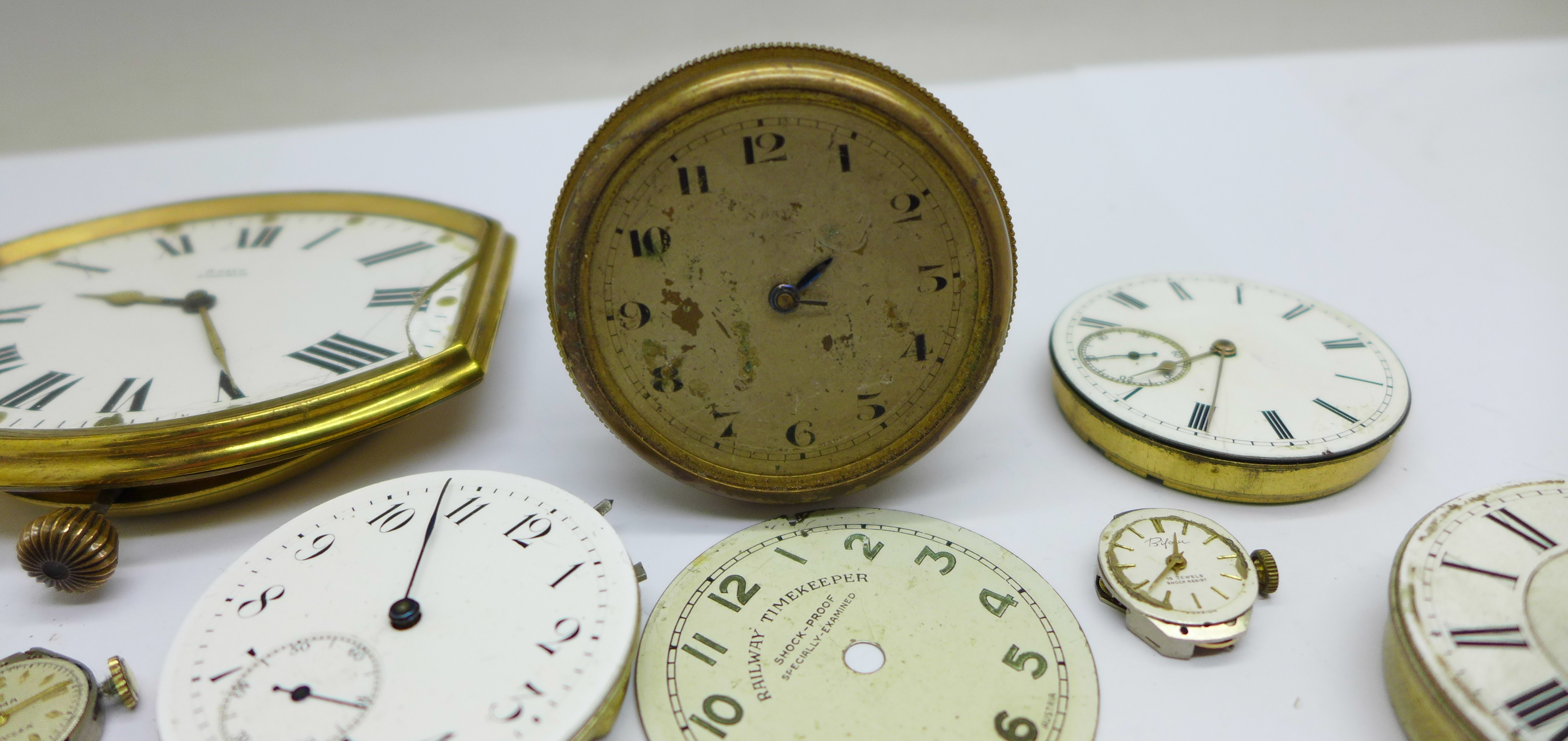A clock movement, pocket watch movements and wristwatch movements - Image 4 of 6