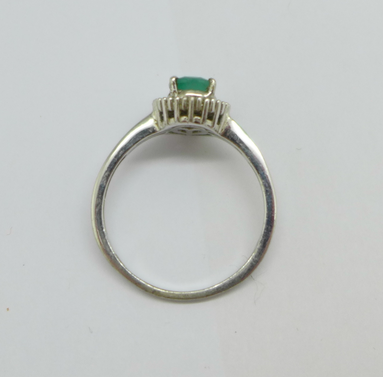 A silver, emerald and diamond set ring, T/U - Image 3 of 3