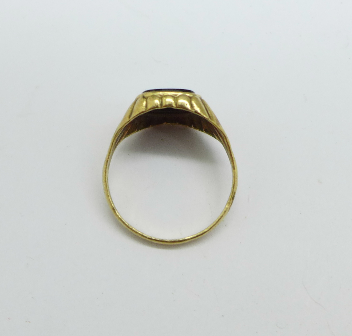 A gentleman's 9ct gold, onyx and diamond signet ring, 3.7g, Y - Image 3 of 3