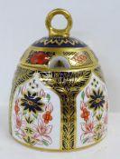 A Royal Crown Derby Imari honey pot, second, 11.5cm