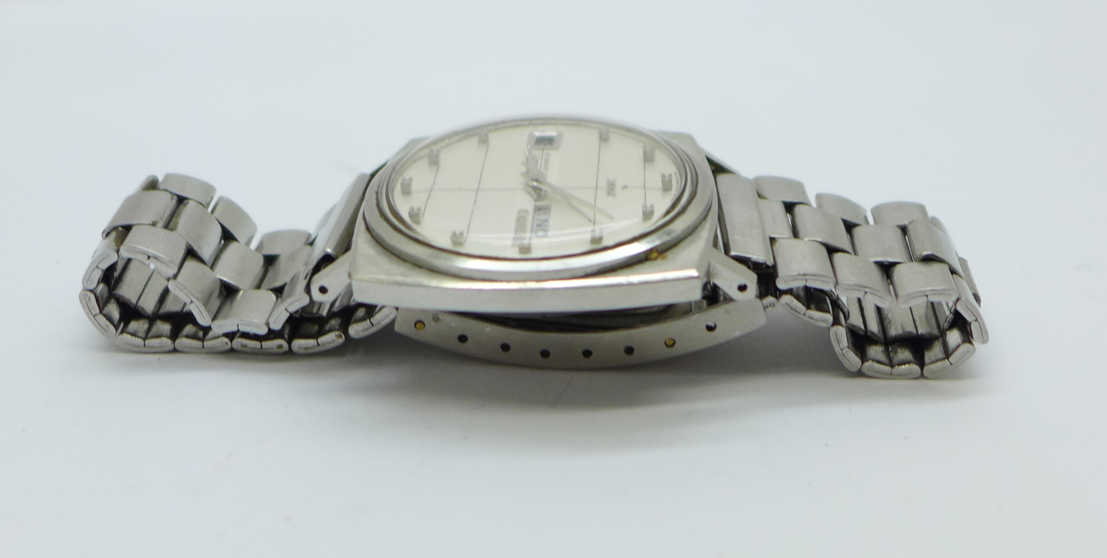 A Seiko DX Sea Lion automatic wristwatch, with day and date - Image 3 of 6