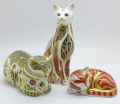 Three Royal Crown Derby paperweights, Cottage Cat 'Clover', 1009 of 1500, designed by Sue Rowe,