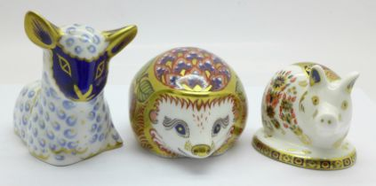 Three Royal Crown Derby paperweights, Lamb, Orchard Hedgehog (Collectors Guild with gold stopper)