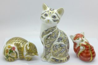 Three Royal Crown Derby paperweights, Majestic Cat, 1061 of 3500, silver stopper, Playful Ginger
