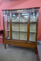 An Edward VII Sheraton Revival inlaid mahogany display cabinet
