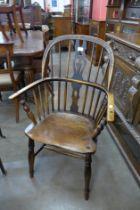 A 19th Century elm Windsor chair