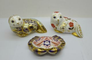 Three Royal Crown Derby paperweights - Harbour Seal limited edition (2,762 of 4,500) with