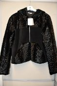 One as new Alexander Wang black fur coat size 8 (403503F15).