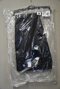 Three men's as new Clubclass Edgware navy skinny trousers size 32R (T1003N).