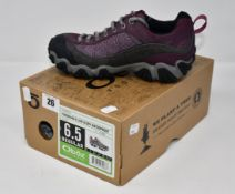 A pair of women's as new Oboz Firebrand II Low B-Dry waterproof hiking shoes (UK 4 - RRP £117).
