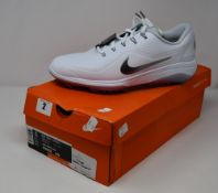 A pair of as new Nike React Vapor 2 golf shoes (UK 9).