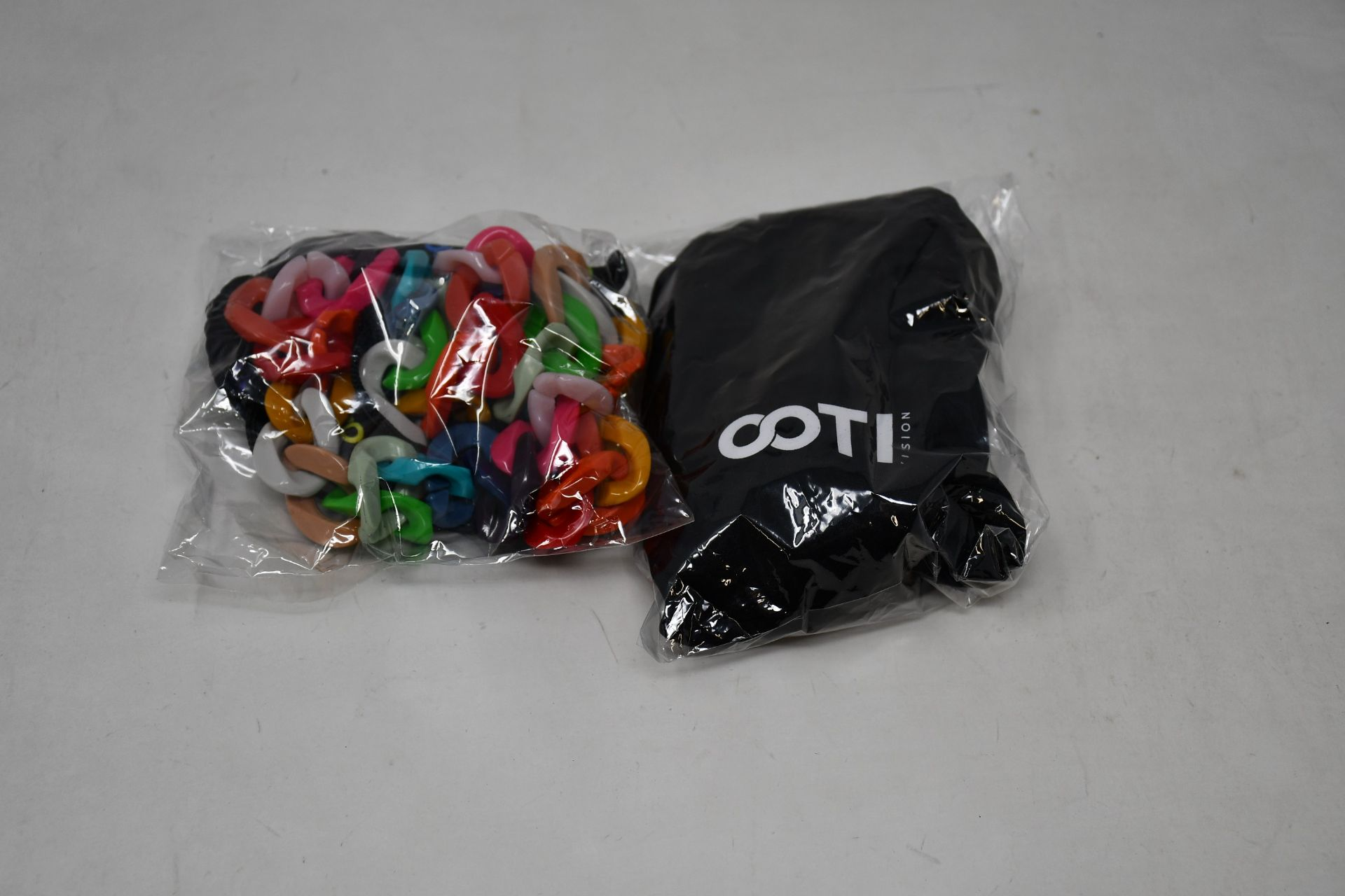 Six as new Amore Italia Cotivision glasses chains (In various colours).