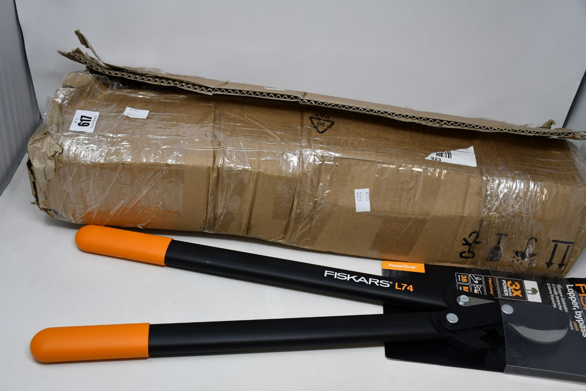 Four boxed as new Fiskars hoop head lopper bypass.