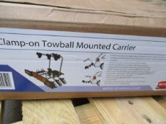 A boxed as new Witter ZX303 clamp on Towball Mounted Carrier (3 bikes) (Cosmetic damage to outer