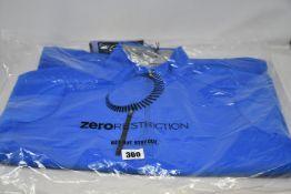 An as new Zero Restriction Z500 quarter zip golf top (M).