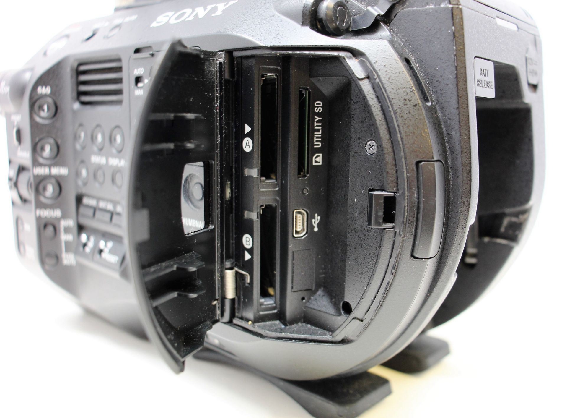 A pre-owned Sony PXW-FS7 II XDCAM 4K Super 35 E-mount Camera Body with Grip and LCD Monitor (M/N: - Image 9 of 33