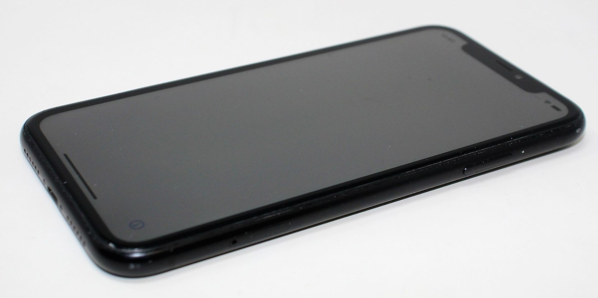 SOLD FOR PARTS: A pre-owned Apple iPhone XR (Global/A2105) 64GB in Black (iCloud Activation - Image 3 of 16