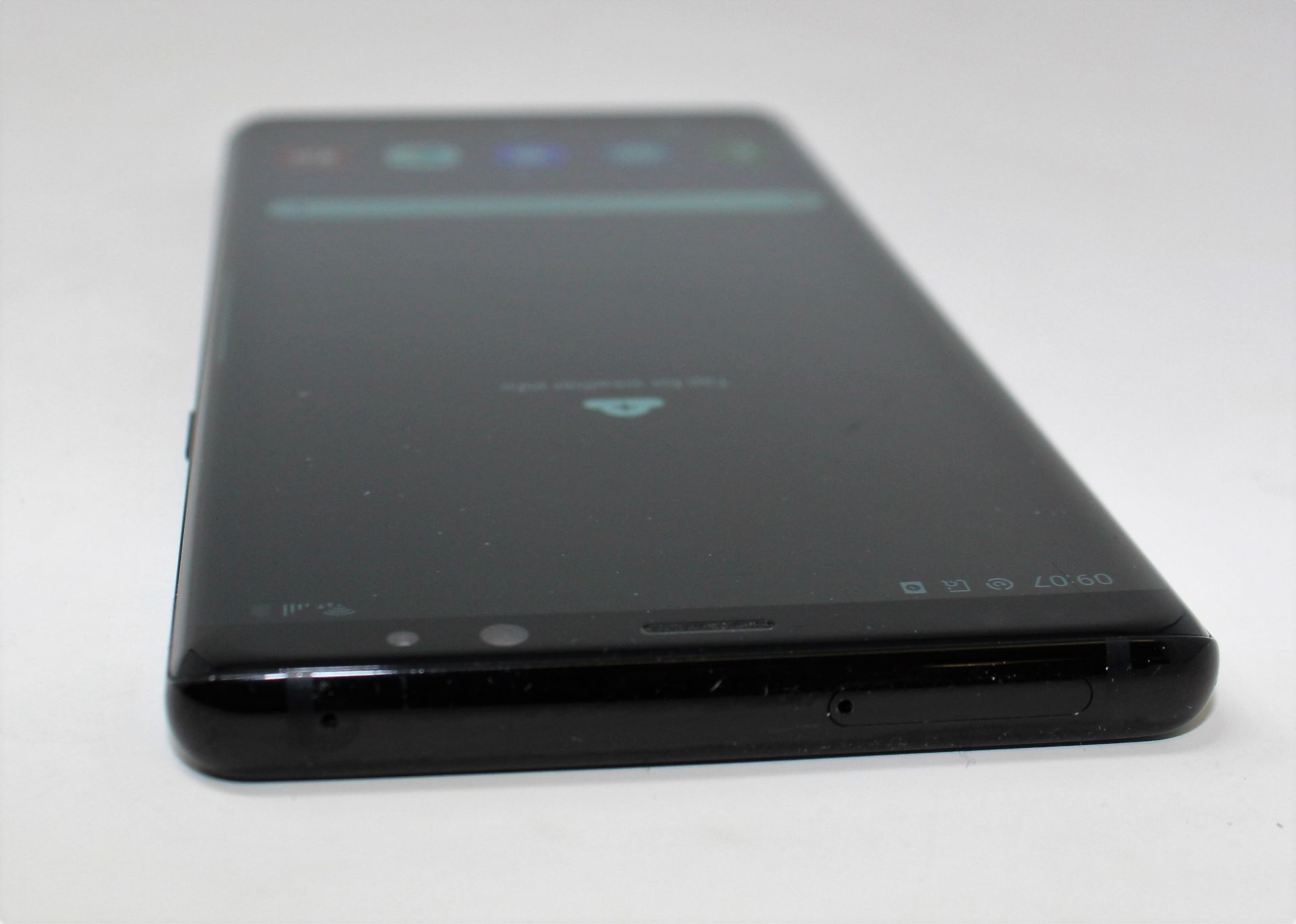 A pre-owned Samsung Galaxy Note 8 SM-N950F 64GB in Black (FRP clear. Some cosmetic scratches to - Image 5 of 7