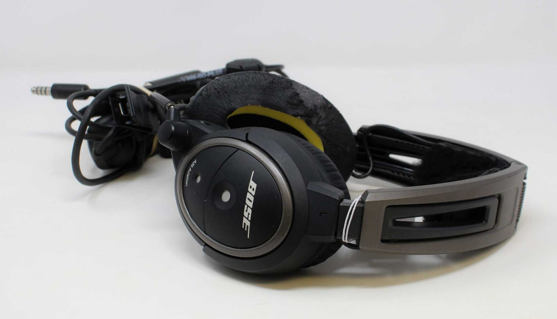 SOLD FOR SPARES OR REPAIR: A pre-owned Bose A20 Aviation Headset with Bluetooth (Untested, sold as
