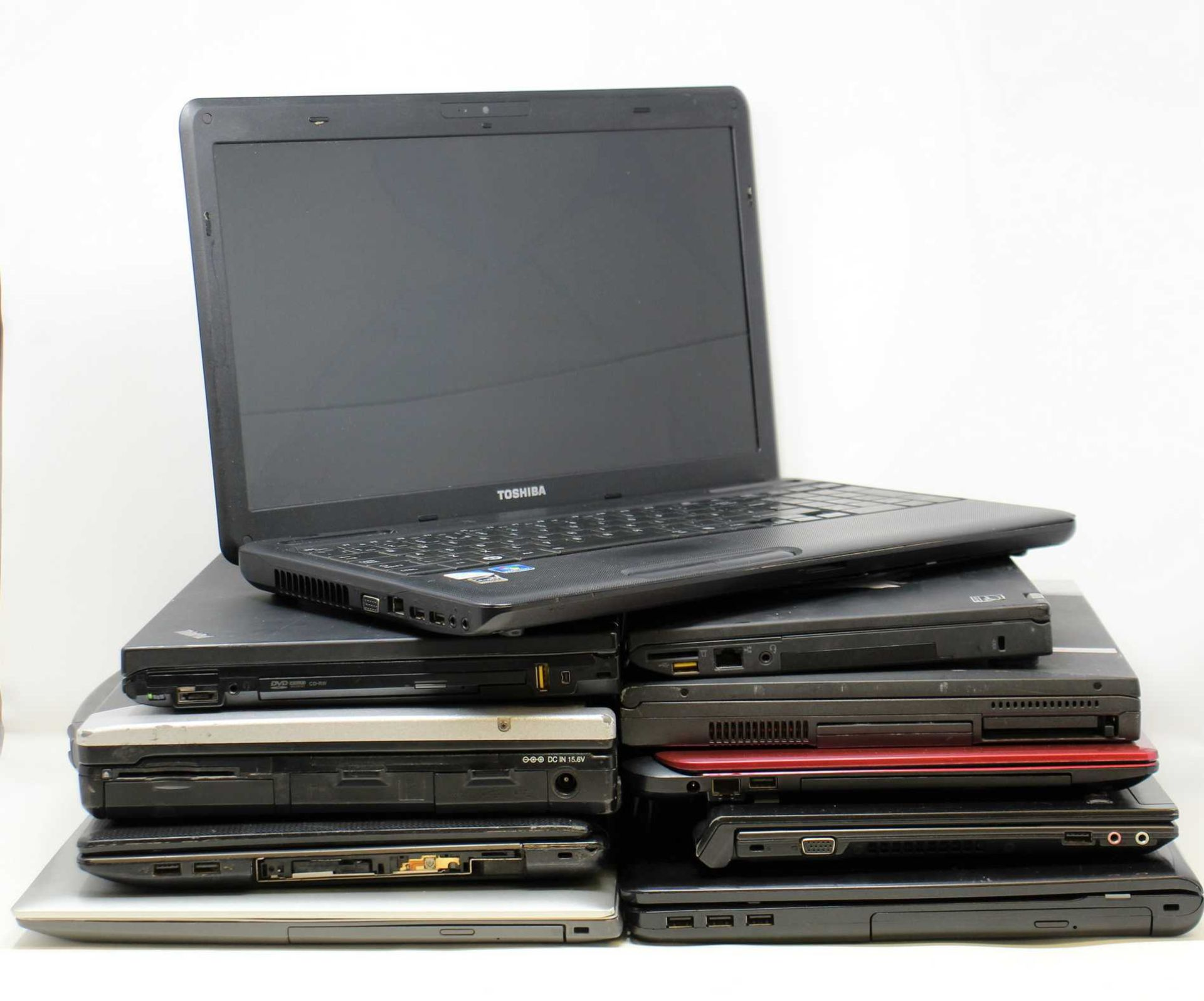 SOLD FOR PARTS, COLLECTION ONLY: Ten pre-owned Laptops sold for parts; 1 x Lenovo ThinkPad T410 (