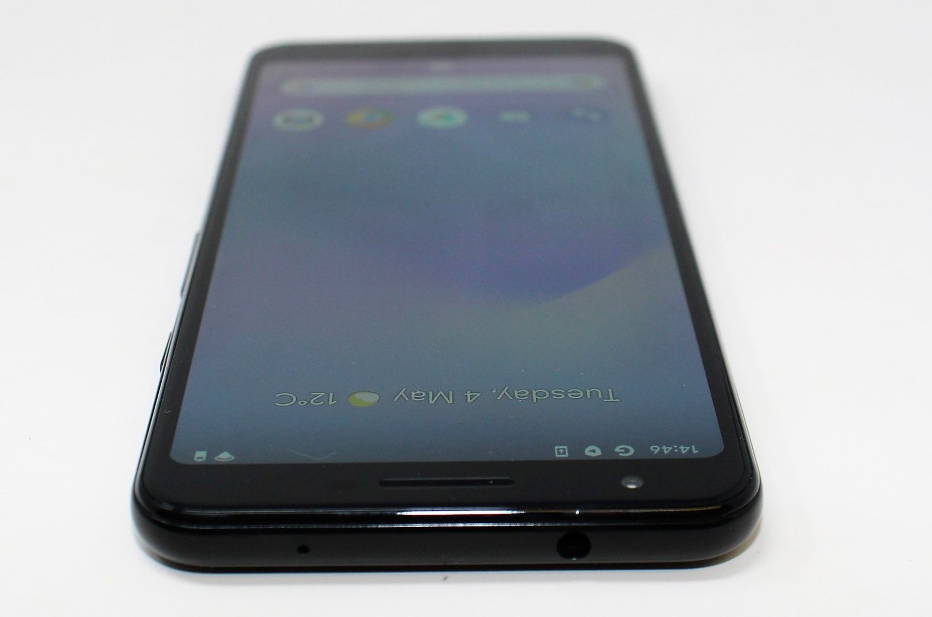 A pre-owned Google Pixel 3a G020G 64GB in Just Black (FRP clear) (Checkmend report ID: CM16922336- - Image 10 of 15
