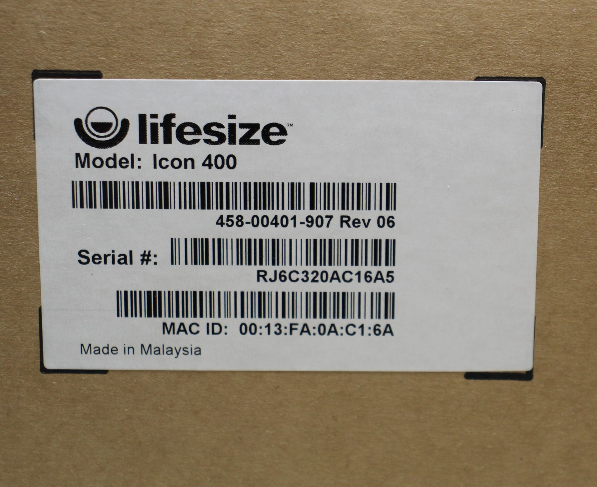 A pre-owned Lifesize Icon 400 Video Conferencing Camera (M/N: LFZ-003) (Remote and power adaptor - Image 3 of 4