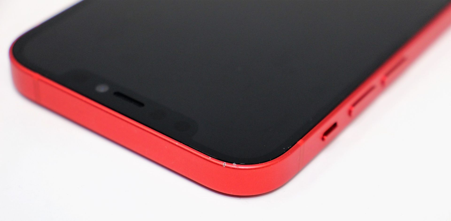A pre-owned Apple iPhone 12 (Global/A2403) 128GB in Red (FRP clear. Some scratches to screen glass - Image 6 of 16