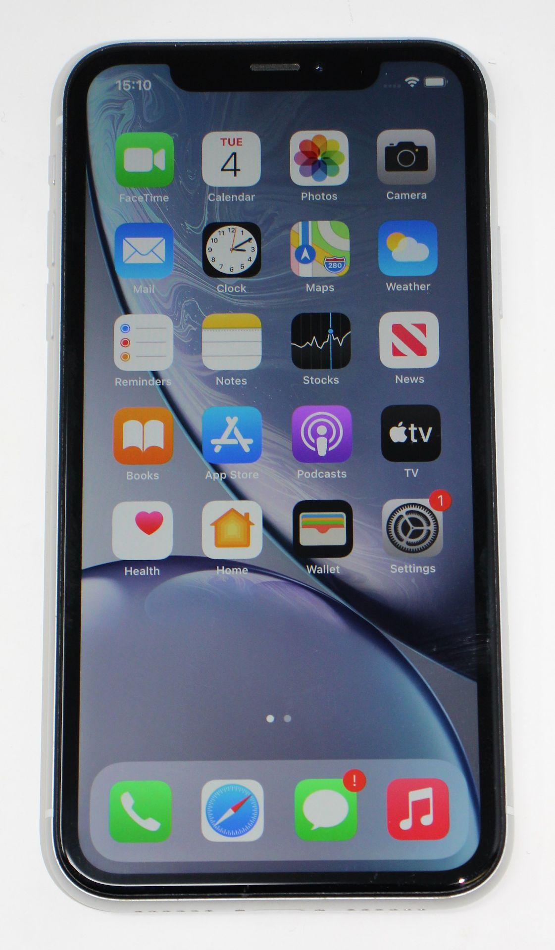 A pre-owned Apple iPhone XR (Global/A2105) 64GB in White (iCloud activation clear, some light