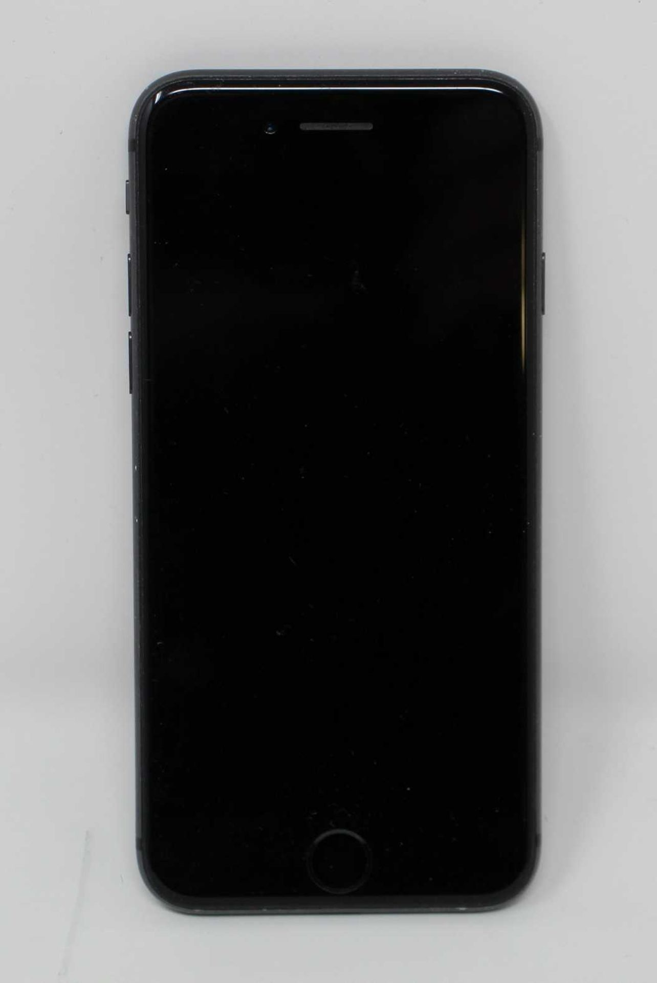 A pre-owned Apple iPhone 8 (AT&T/T-Mobile/Global/A1905) 64GB in Space Grey (iCloud activation clear, - Image 8 of 8