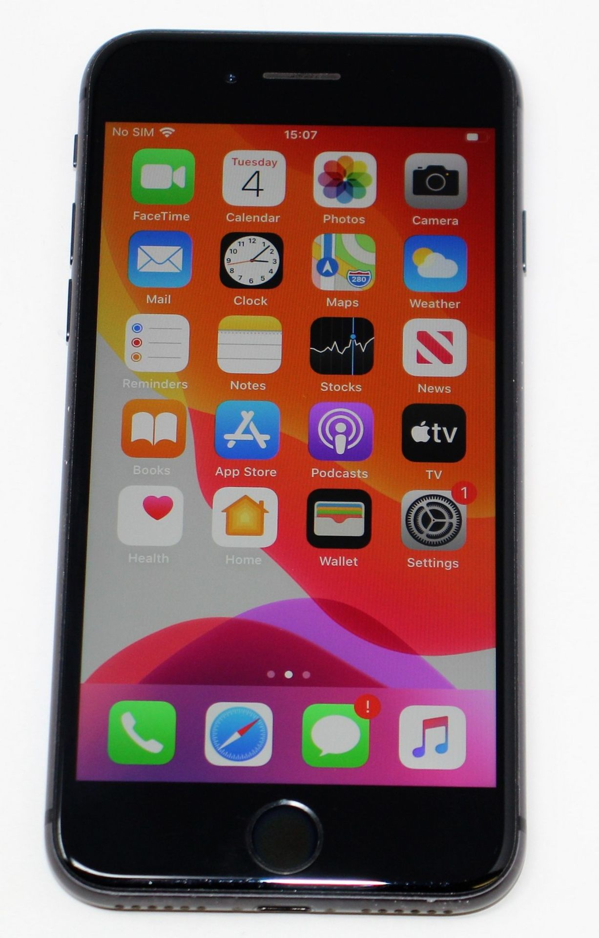 A pre-owned Apple iPhone 8 (AT&T/T-Mobile/Global/A1905) 64GB in Space Grey (iCloud activation clear,