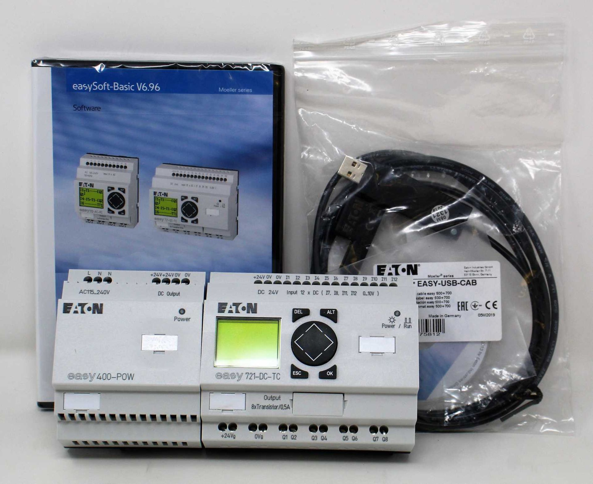 A boxed as new Eaton easy Logic Module Starter Kit (EASY-BOX-721-DC-USB) (Exterior box damaged).