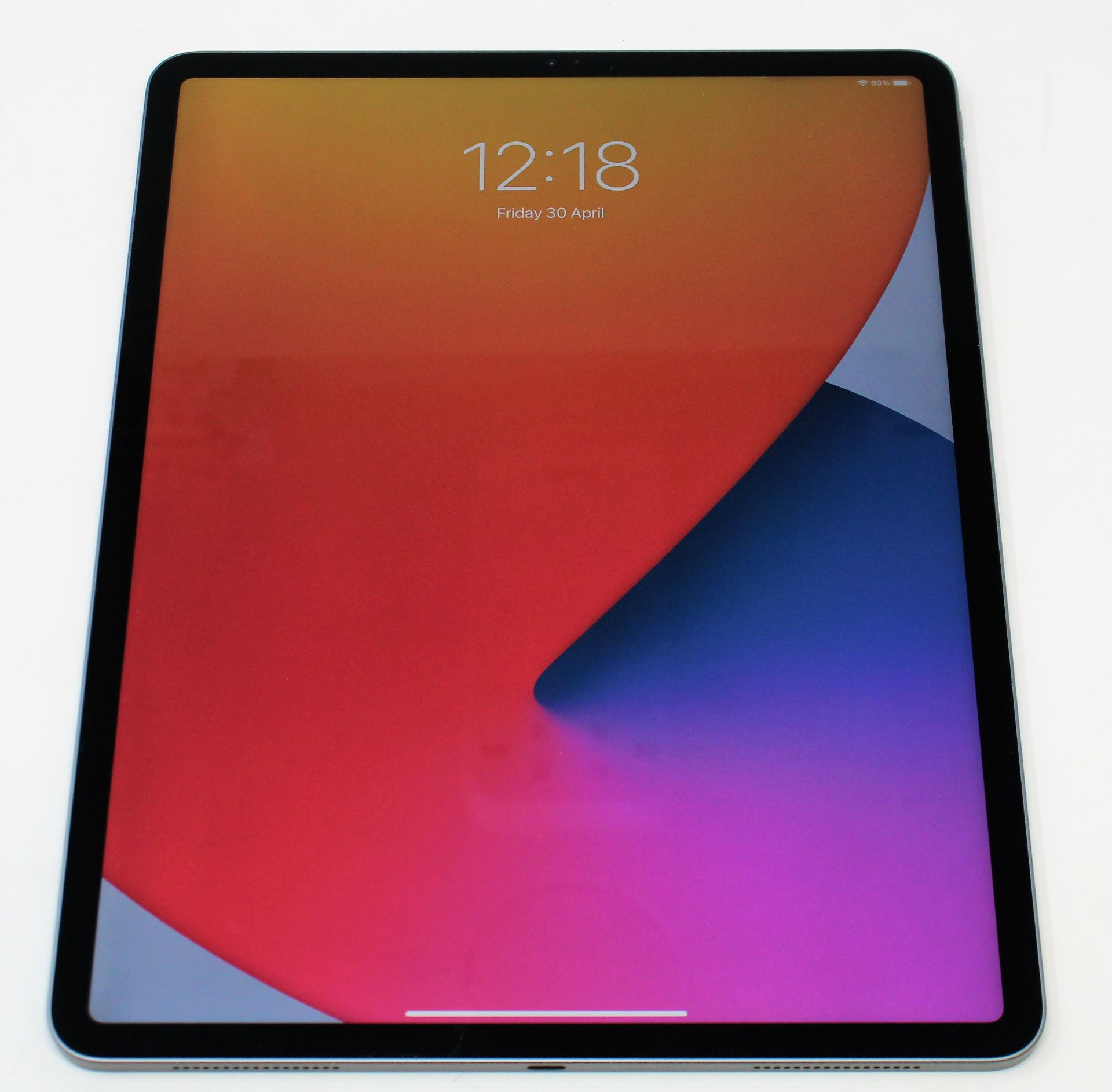 """SOLD FOR PARTS: A pre-owned Apple iPad Pro 4 12.9"""" A2229 256GB in Space Grey (Activation lock clear)"""