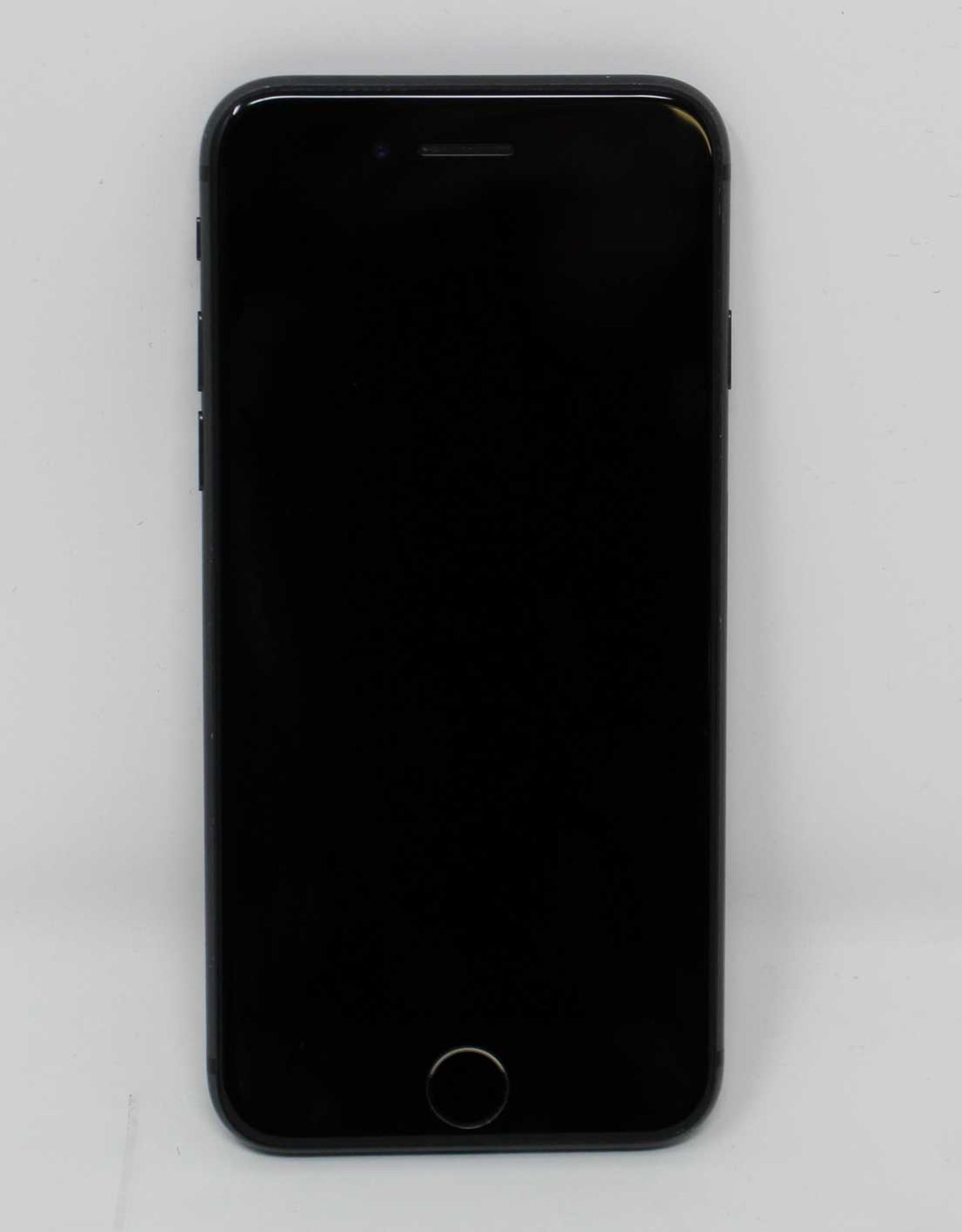 A pre-owned Apple iPhone 8 (AT&T/T-Mobile/Global/A1905) 64GB in Space Grey (iCloud activation clear, - Image 2 of 7
