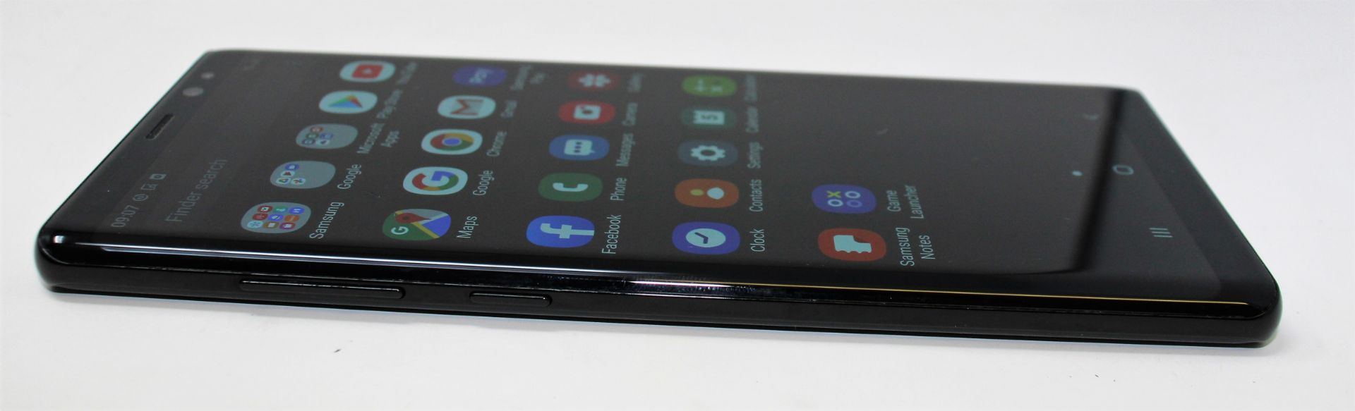 A pre-owned Samsung Galaxy Note 8 SM-N950F 64GB in Black (FRP clear. Some cosmetic scratches to - Image 6 of 7