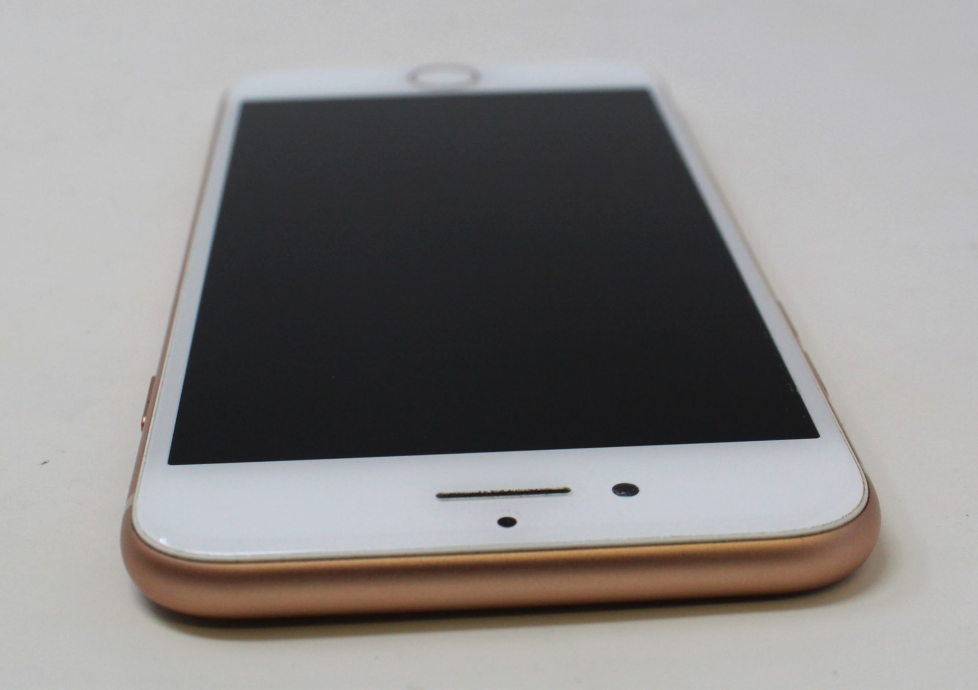 A pre-owned Apple iPhone 8 (AT&T/T-Mobile/Global/A1905) 64GB in Gold (iCloud activation clear) ( - Image 5 of 7