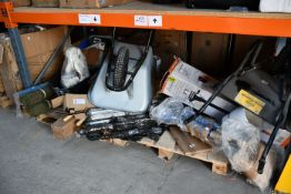A quantity of miscellaneous garden/outdoor related items to include Brabantia rotary washing