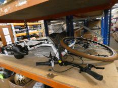 An Ortler Monet bike in white (Damaged, needs repairing).