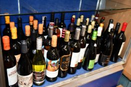 A quantity of assorted red/white wines to include Delgado Zuleta Vermut Goyesco Manzanilla, Judeka