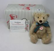 A boxed as new Steiff British collectors mohair limited edition teddy bear (690945).