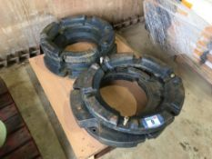 4No New Holland rear wheel weights ( 2x81kg and 2x 250kg)