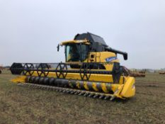 2013 New Holland CR9080 Smarttrax combine harvester with 30ft varifeed header with new side knives,