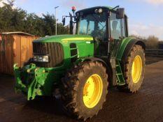 John Deere Tractor 6930S