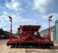 Kuhn Combiliner Venta LC402 Combination Drill with Kuhn HR4004D Power Harrow.