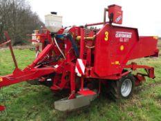 Grimme GL32T Potato Planter