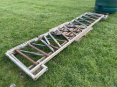 2No 13ft 6inch diagonal feed barriers