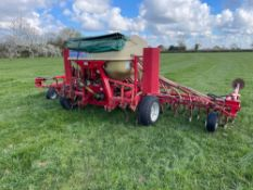 2006 Weaving 1SE6Mts 6m hydraulic folding tine drill with heavy duty springs reworked by Weaving in