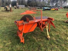 Shaw PTO driven saw bench with spare blade